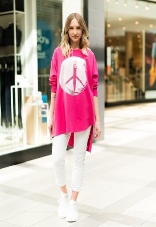 Tak jak obiecaliśmy😊 Kolejny zestaw: trampki Ovye/ białe spodnie/ różowa bluzka Cały zestaw skomponujecie w naszym sklepie Didje.pl Jeżeli nie możesz znaleźć któregoś z produktów zamów go przez Facebook lub napisz na nasz Instagram